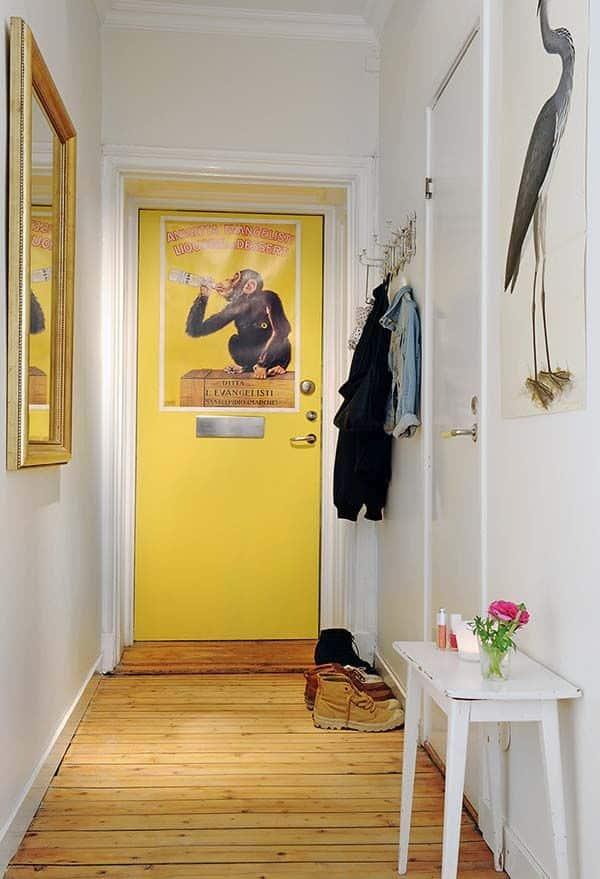 Деревянный пол в коридоре