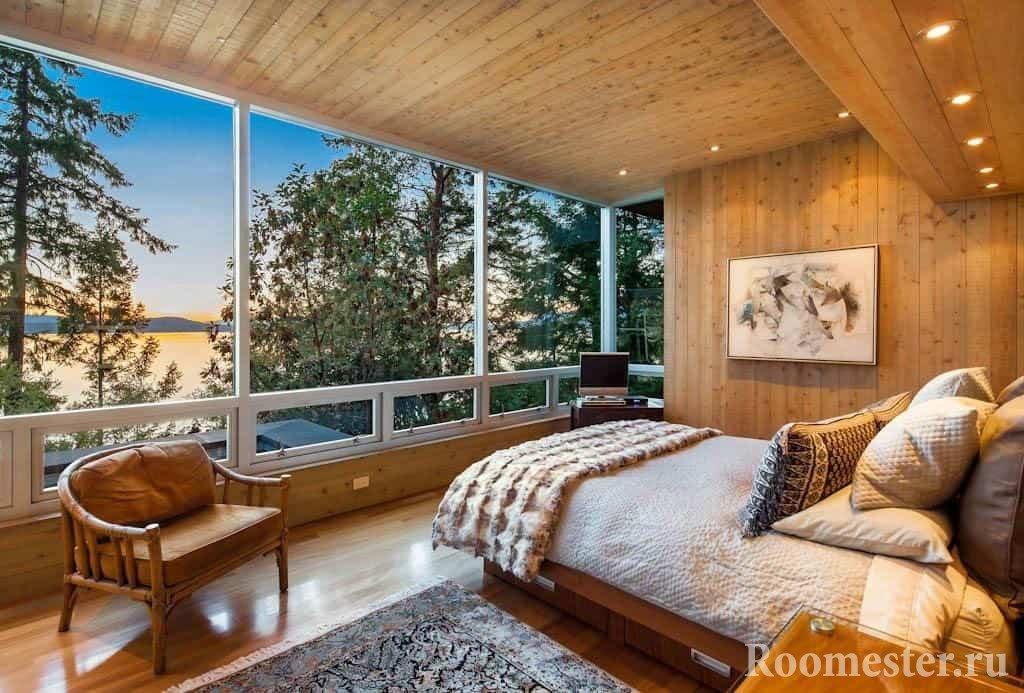 Спальня в деревянном доме