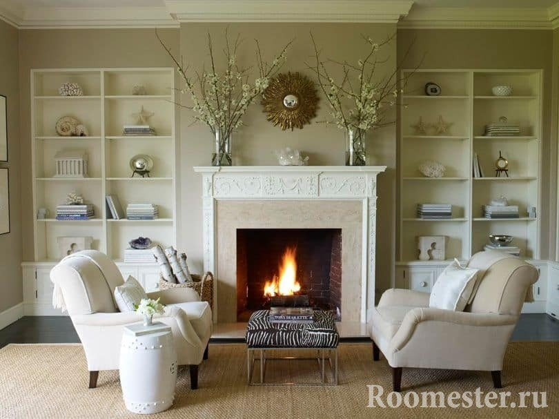 Дизайн гостиной с камином в доме