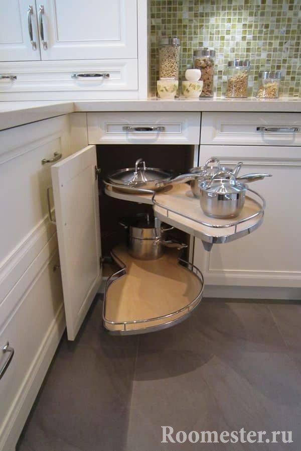 Выдвижные ящики в угловой кухне