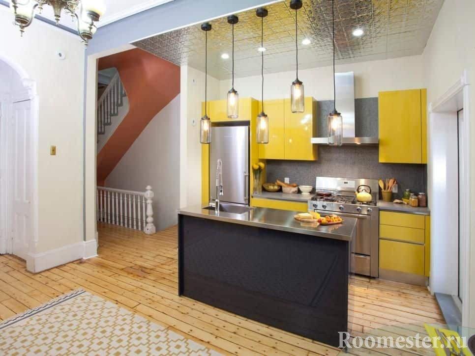 Кухня в маленьком уголке гостиной