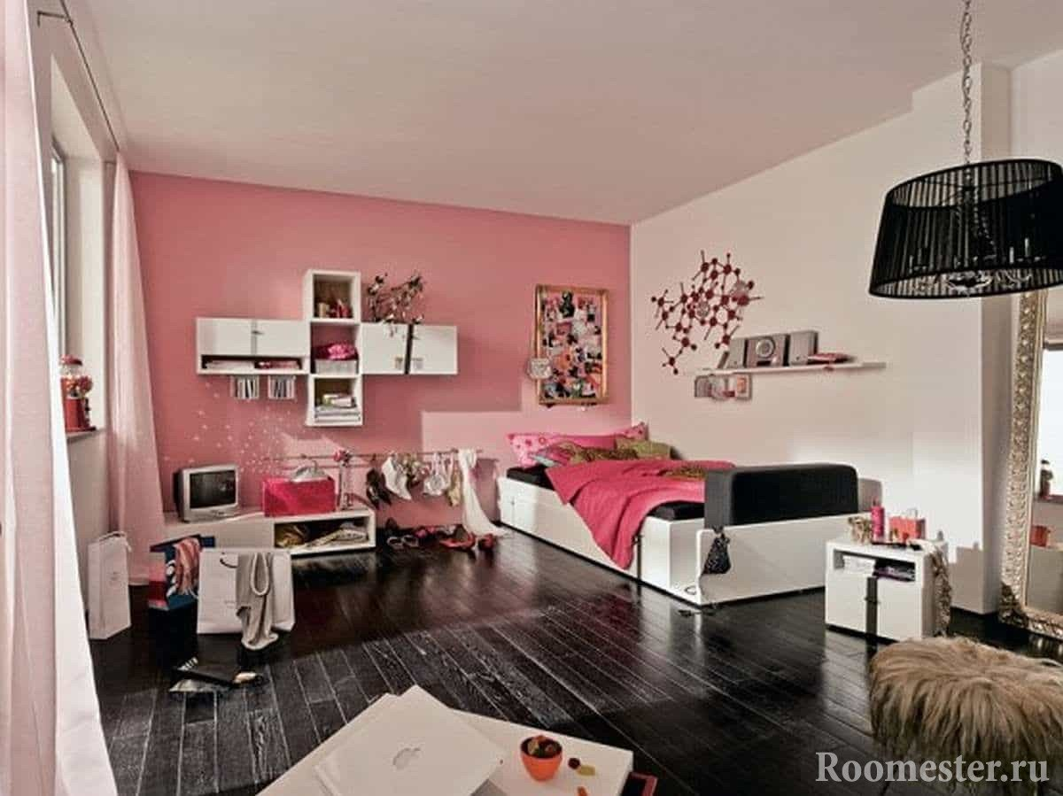 In this room design teenage girl has everything for life: a place for things and a work table