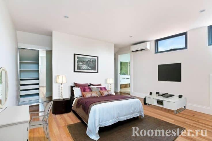 Белая спальня с гардеробной