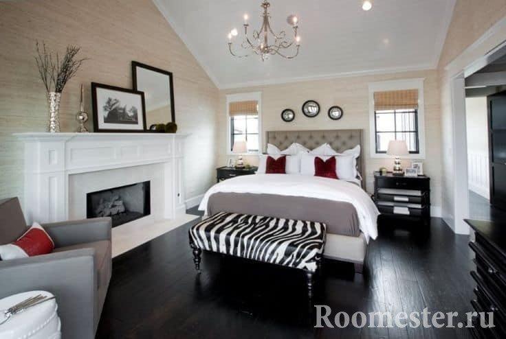 Отделка стен под дерево в дизайне спальни в классическом стиле