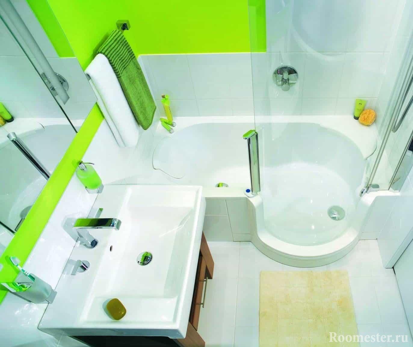 Сочный цвет ванны в хрущевке