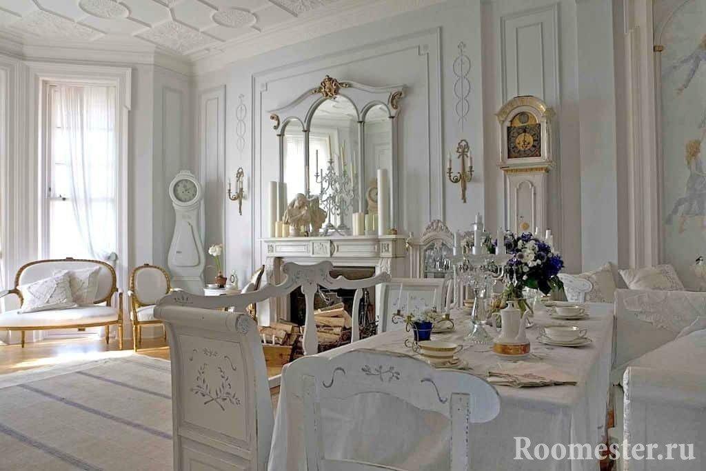 Интерьер комнаты в греческом стиле