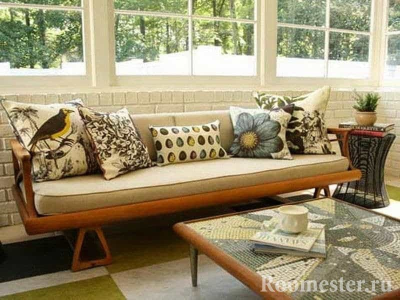 Подушки с природным орнаментам