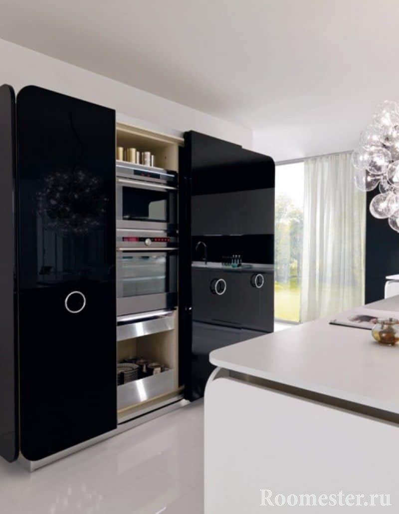 Кухонная техника спрятана в шкафу