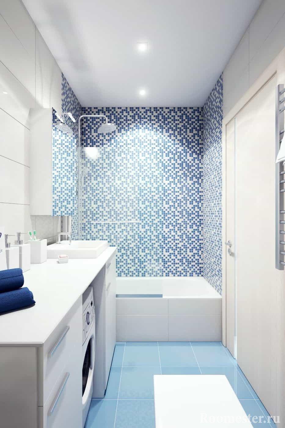 Бело-голубая ванная комната в панельном доме