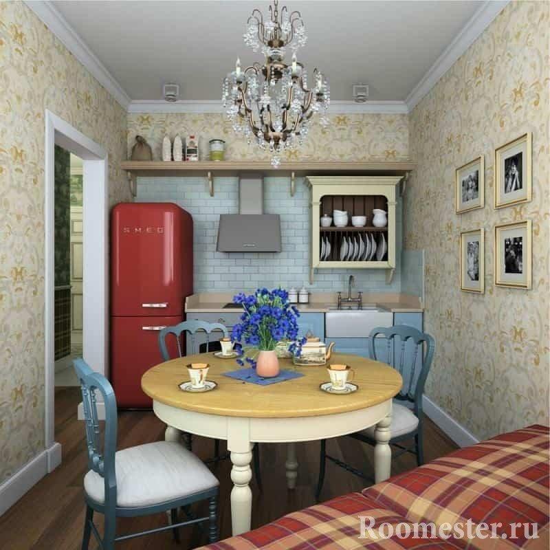 Маленькая кухня в деревенском стиле с круглым столом