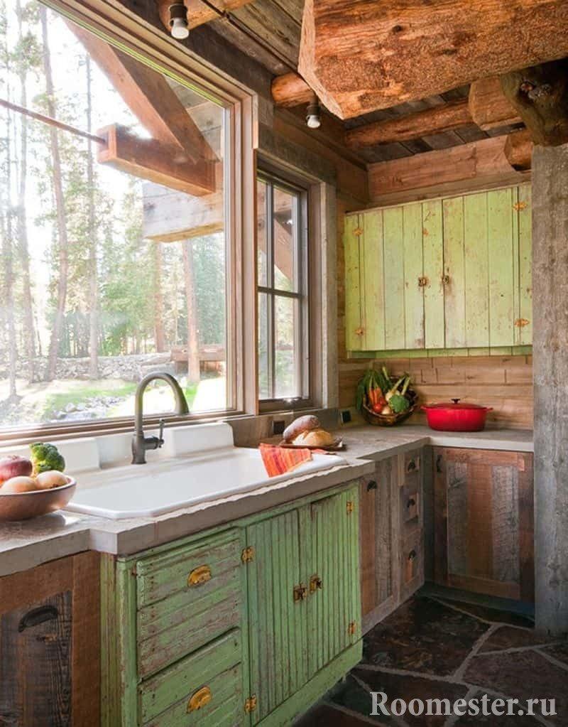 Маленькая деревенская кухня