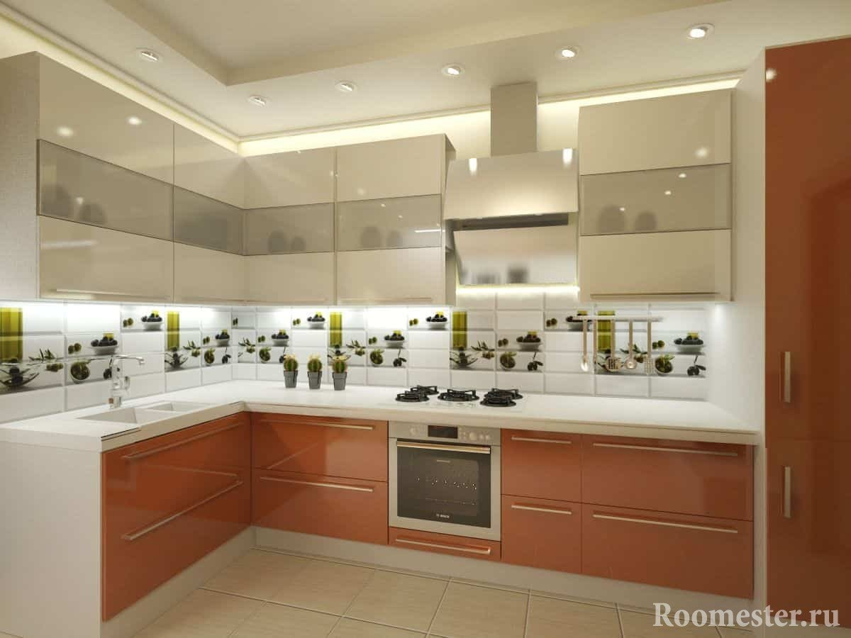 Оранжево-белая кухня в глянцевыми фасадами