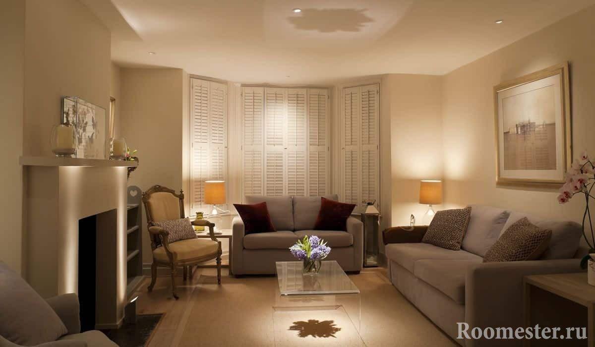 Гостиная со встроенными шкафами в стиле гранж