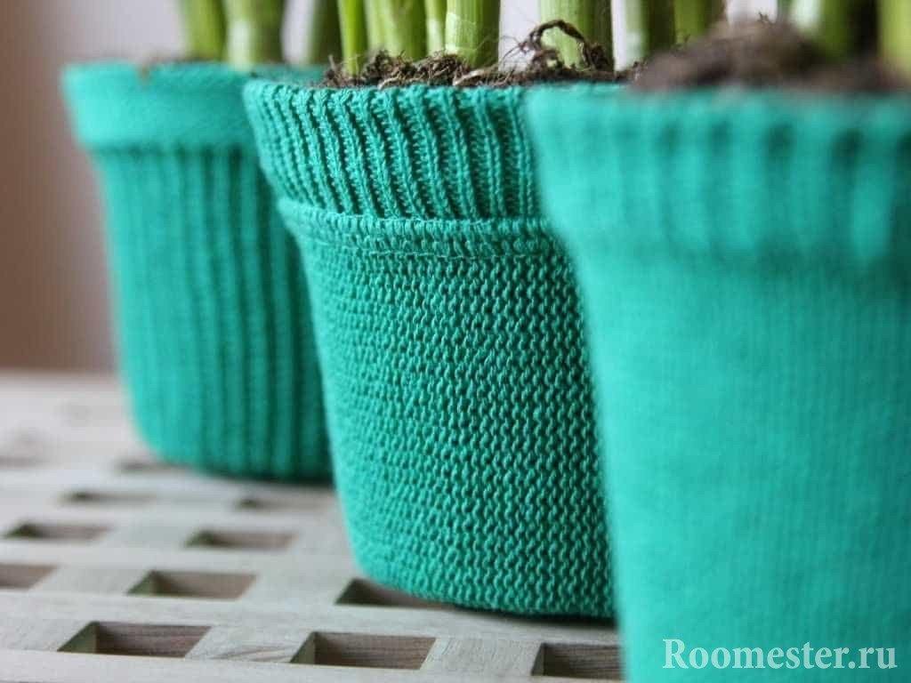 Вязанные чехлы для цветочных горшков