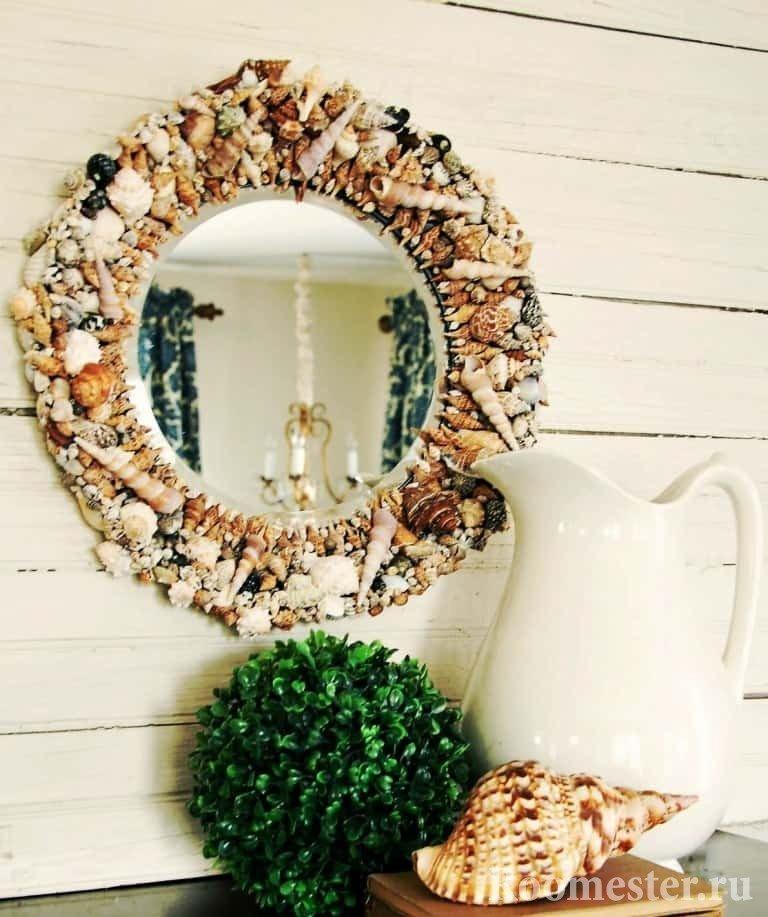 Круглое зеркало с ракушками