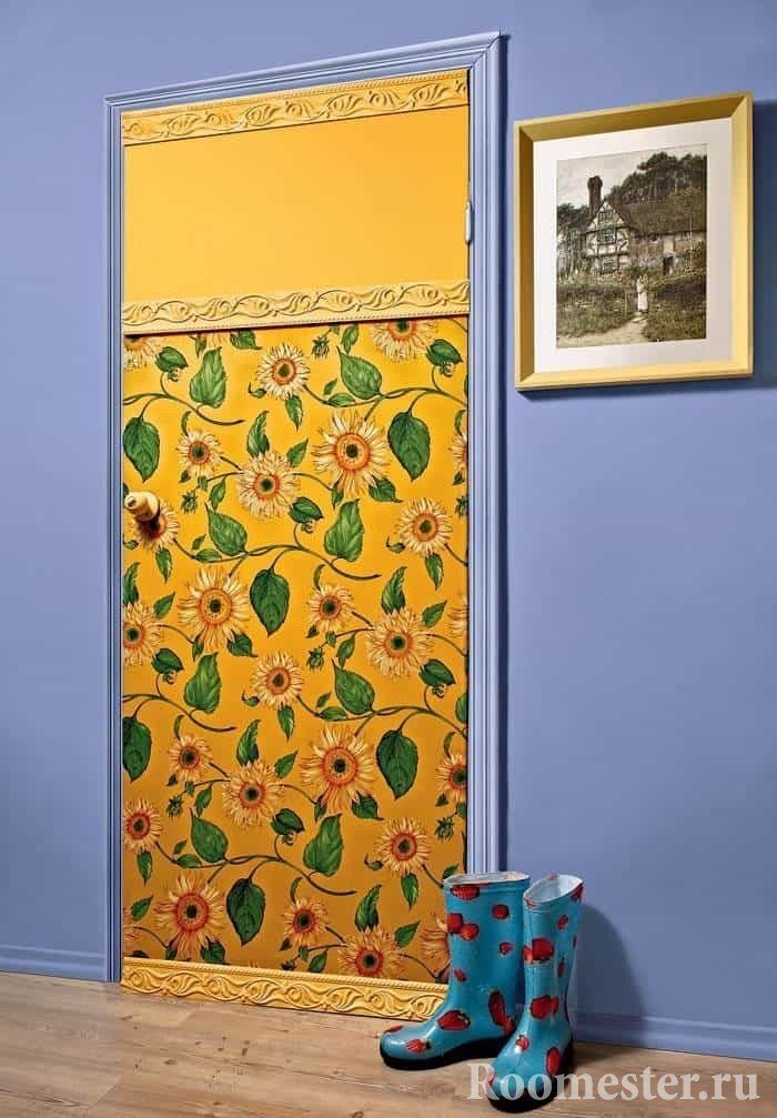 The door is covered with wallpaper and baguette