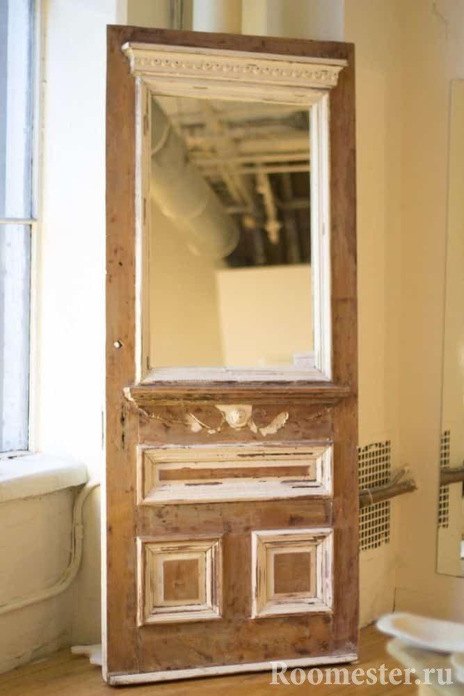 Зеркало из старой двери