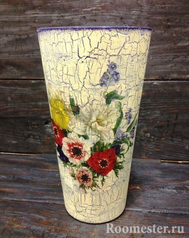 dekor-vazy-svoimi-rukami-43 Как сделать вазу из банки своими руками: 6 способов и 50 фото