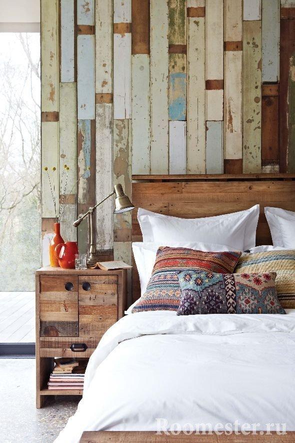 Диванные подушки в спальне