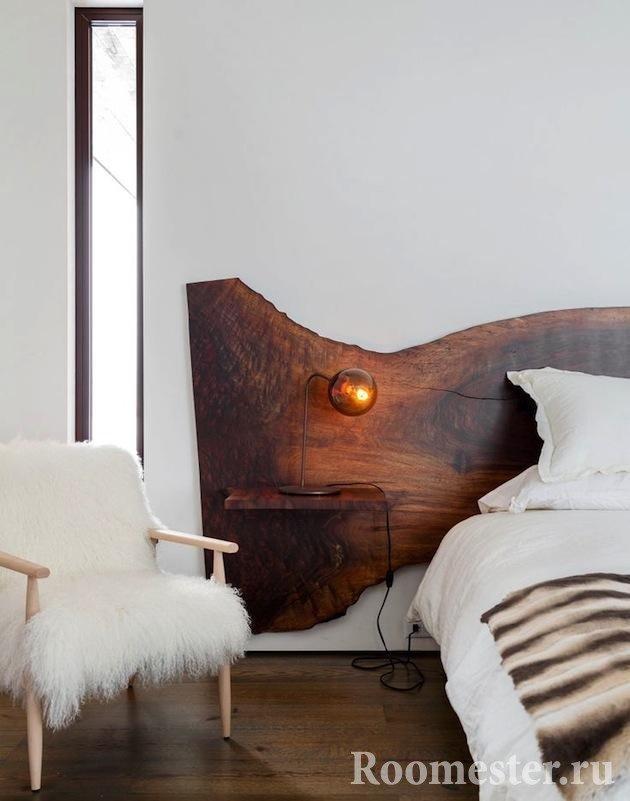 Изголовье кровати из спила