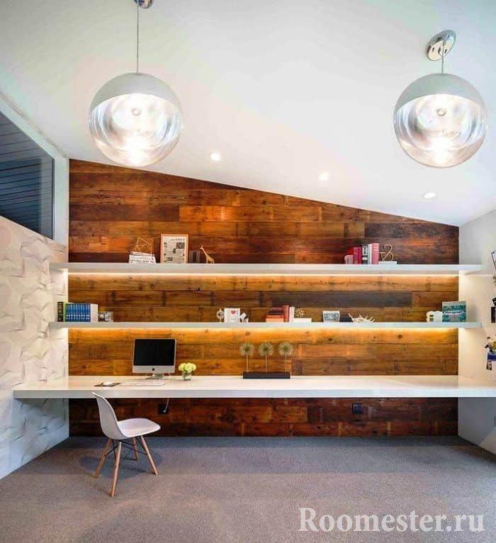 Рабочий стол в длину на всю стену