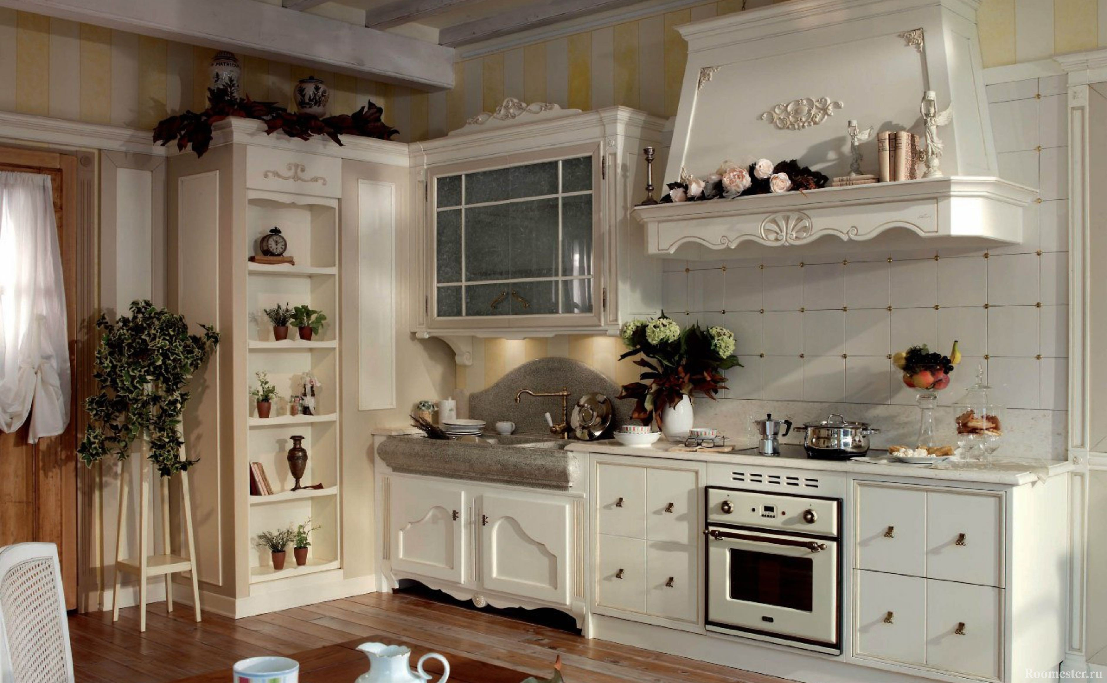 Открытый пенал в кухне