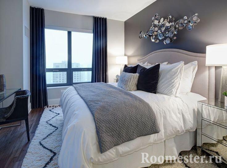 Сочетание серого и белого цвета в спальне