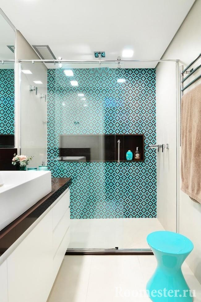 Turquoise tiles in the shower