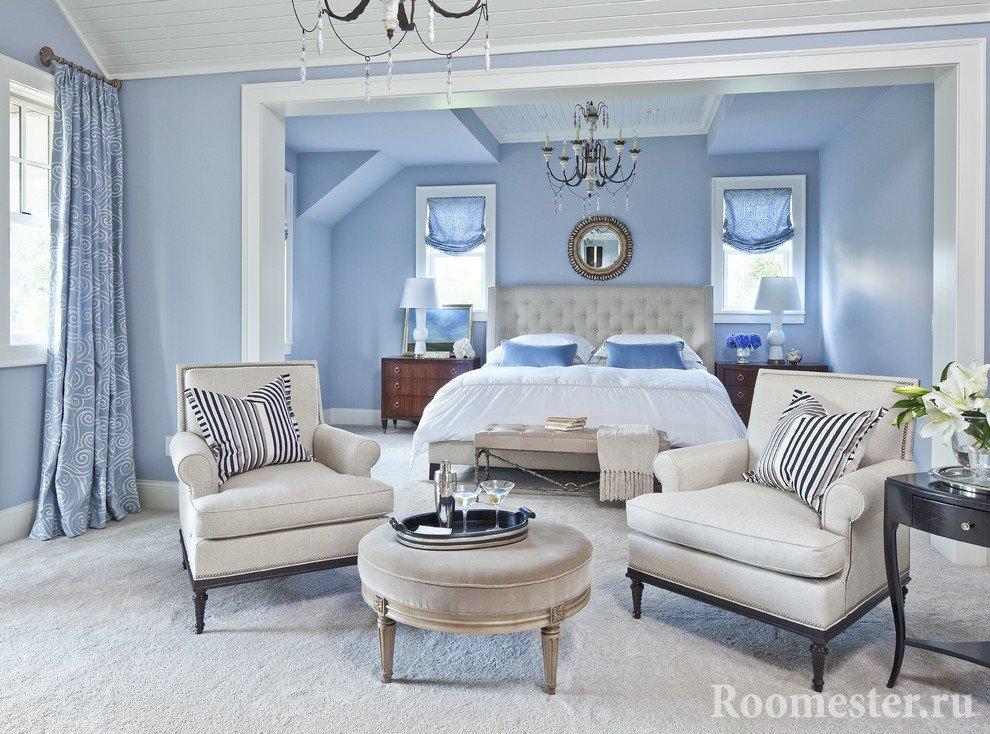 Спальня голубого цвета