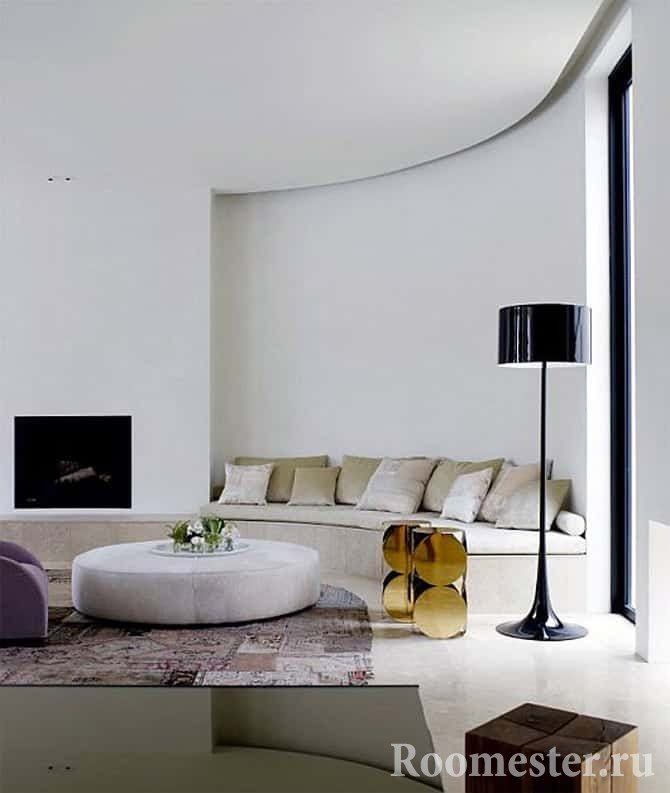 Полукруглая комната