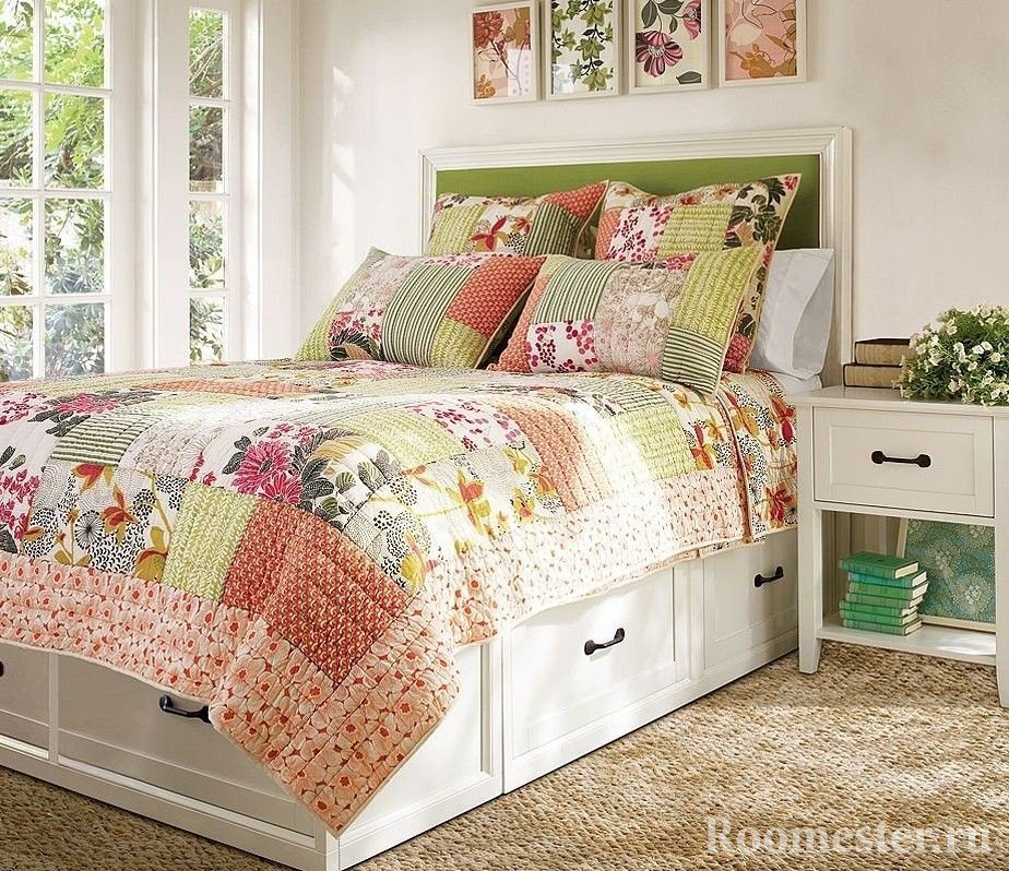 Bedspread and pillowcase patchwork