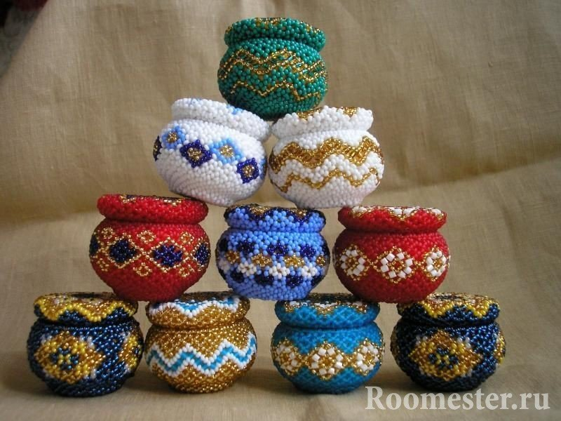 Vases caskets wattled from beads