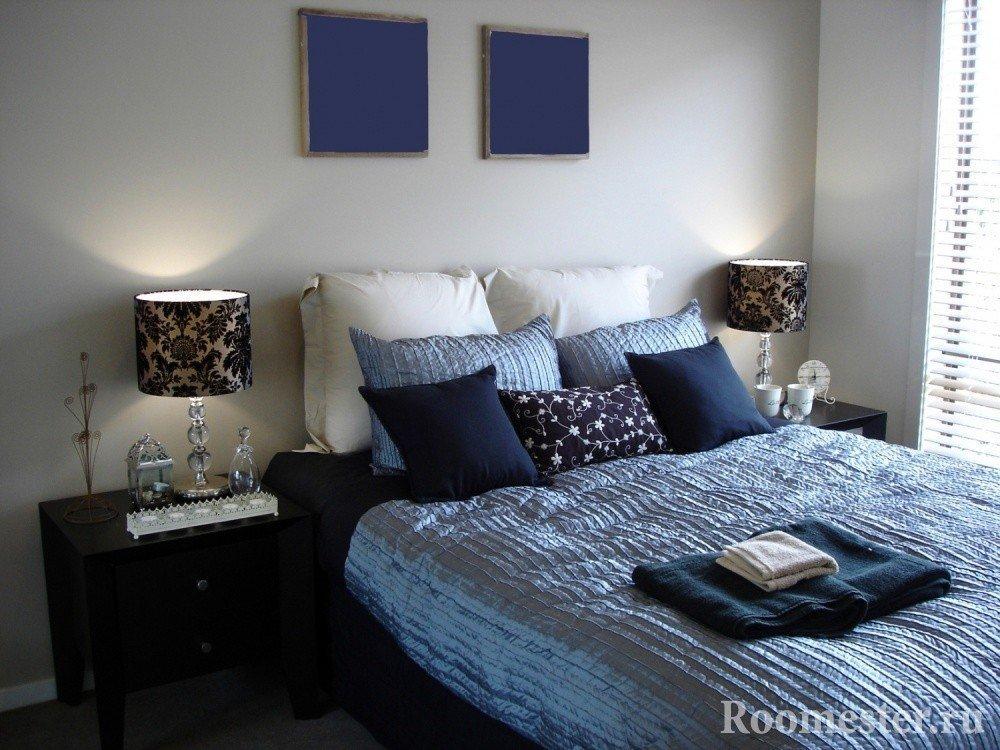 Спальня в синих цветах