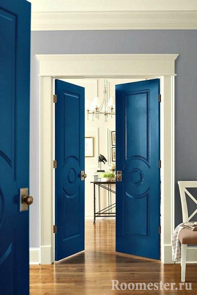 Синие двери в интерьере