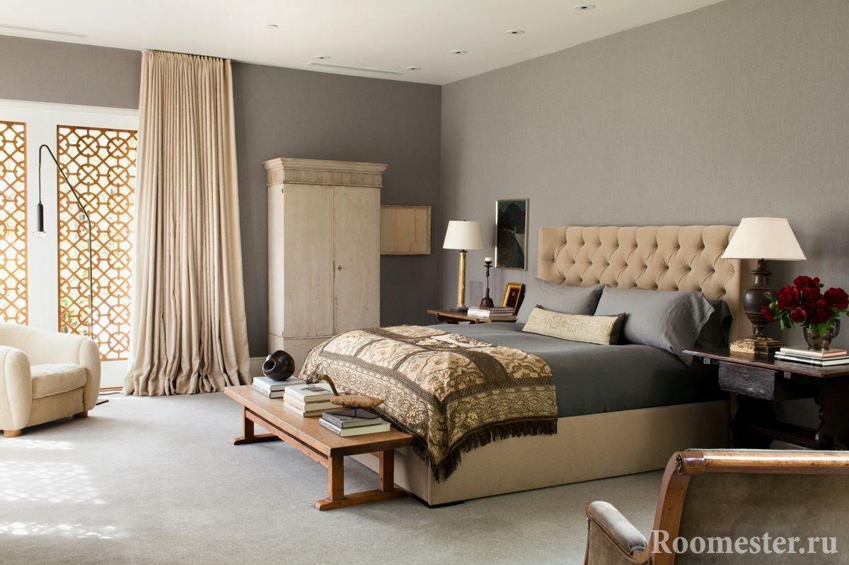 Серо-коричневая спальня
