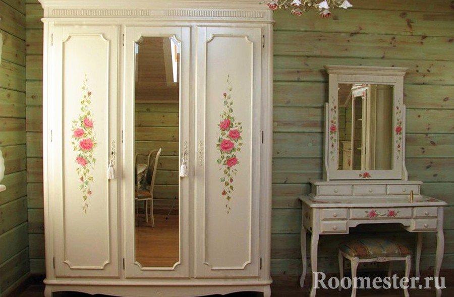 Декор шкафа с помощью нанесения рисунка