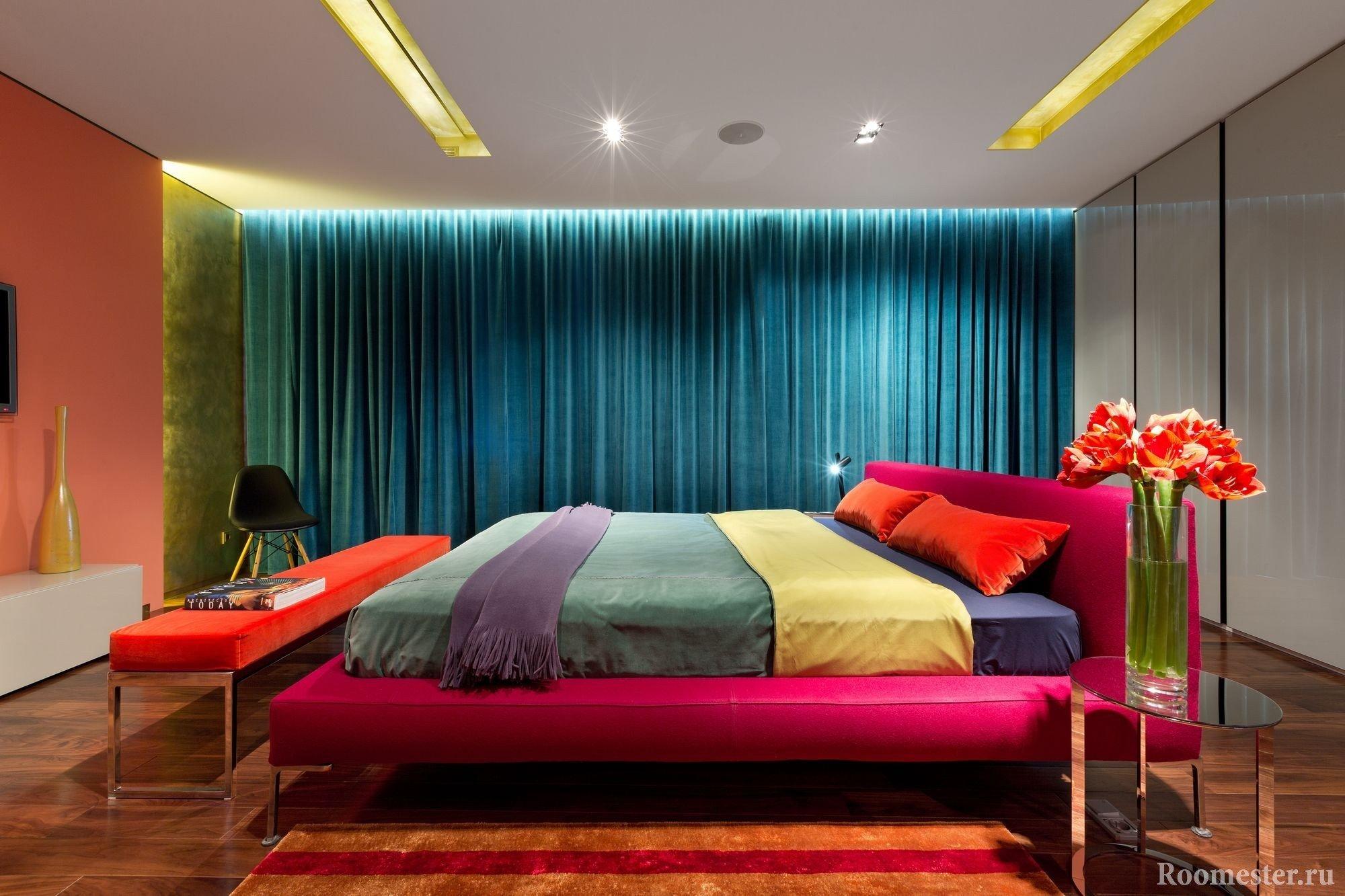 Разноцветный текстиль в интерьере