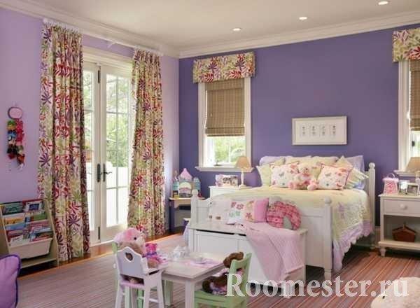 Детская комната в фиолетовых цветах