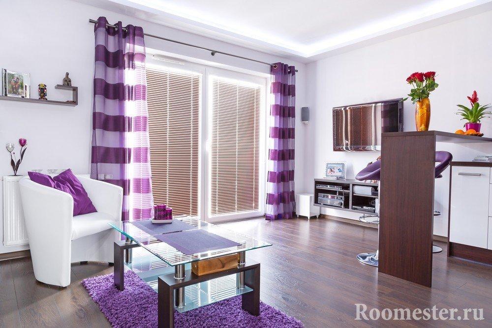 Текстиль в фиолетовых цветах и оттенках