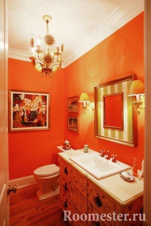 Оранжевый туалет