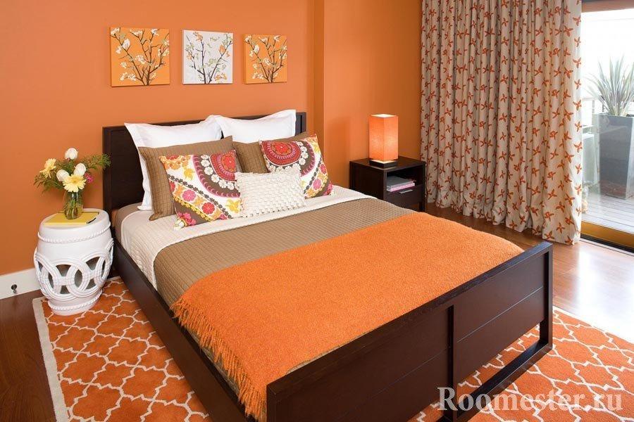 Спальня в оранжевом исполнении