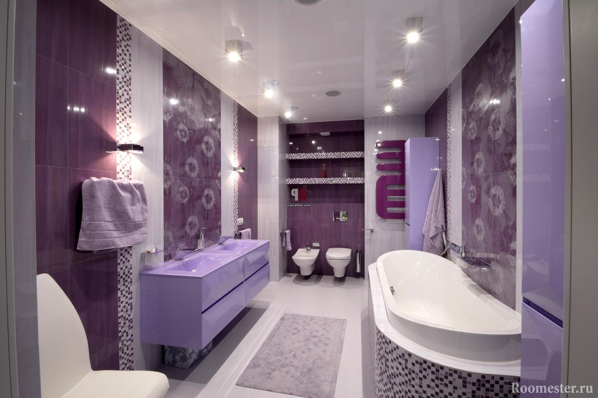 Шикарный дизайн ванной комнаты в сиреневых цветах