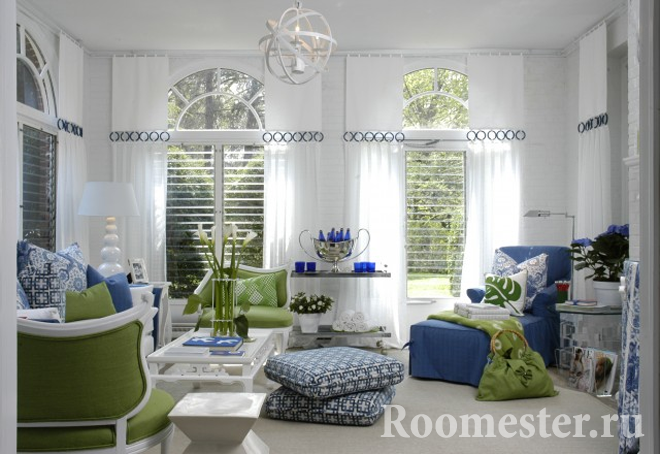 The perfect combination of white, blue and green