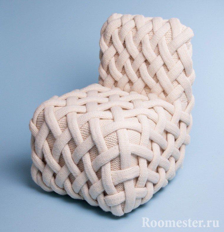 Крупная вязка на кресло