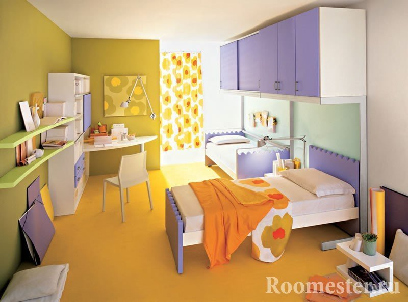 The combination of yellow and purple in the nursery