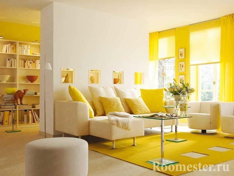 Солнечная желтая гостиная