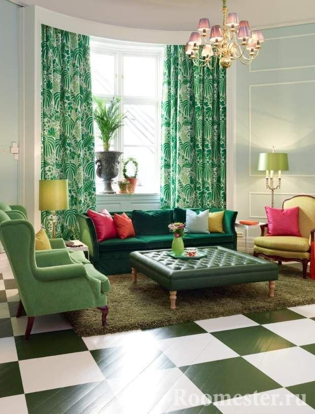 Armchairs of different colors and a sofa