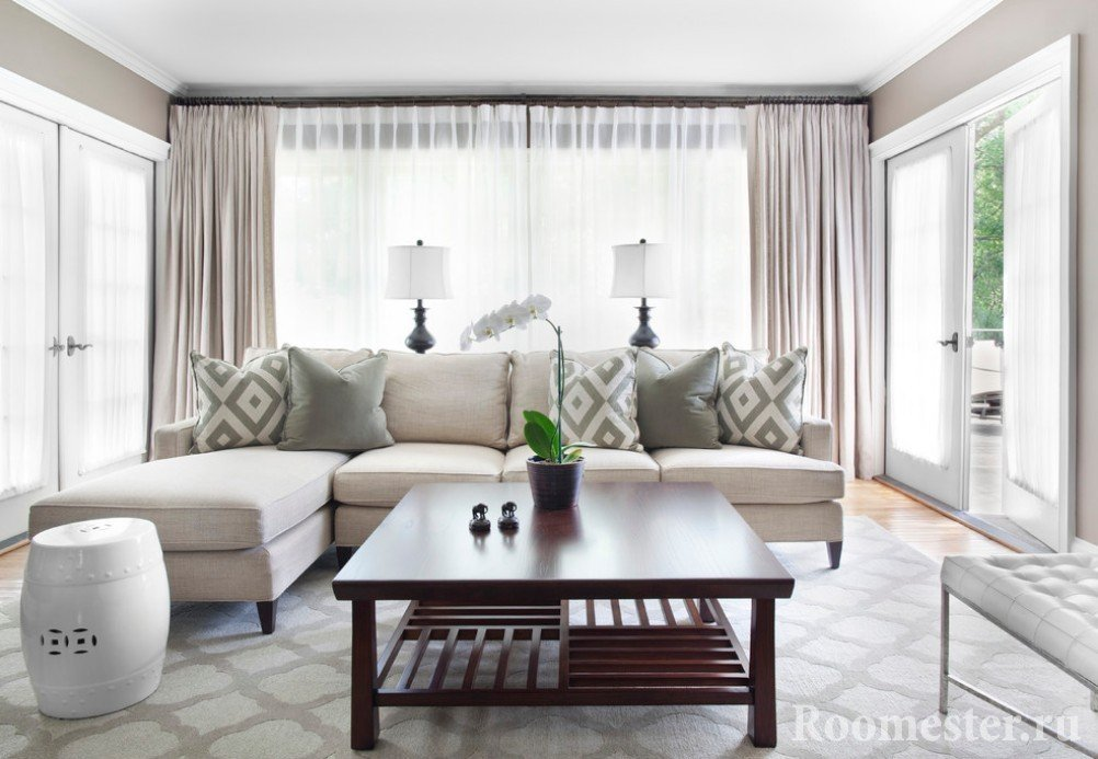 Beige furniture in the hall