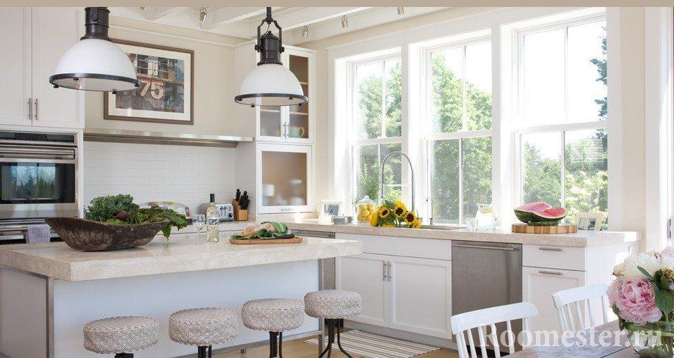 Кухня с окнами