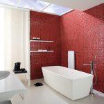 Бордовый цвет в интерьере ванной комнаты
